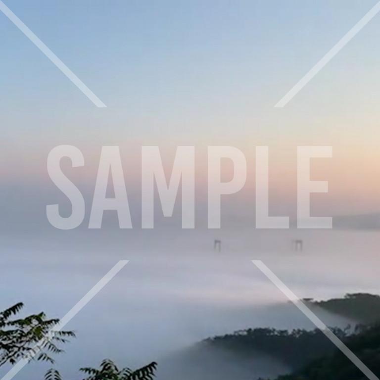 霧の中から見る大連景色