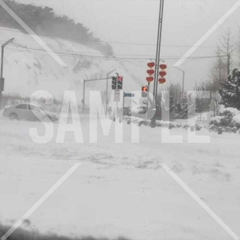 大連大雪の道路